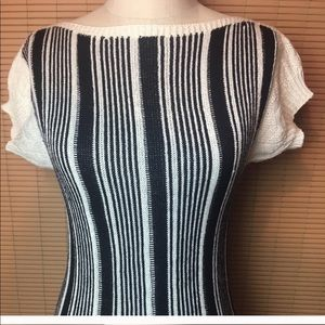 ❤️💕 Vintage b+w stripe fitted sweater top 💕❤️